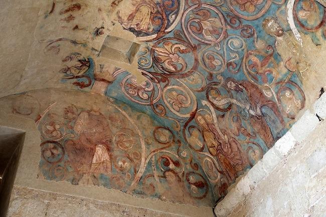 Chapelle aux fresques romanes accessible pendant la visite