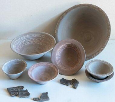 Fac-similés vaisselle antique par la céramiste Françoise Rebord