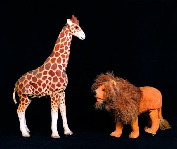 La girafe et le lion