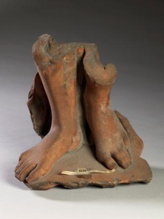 Pieds, fragment de statue