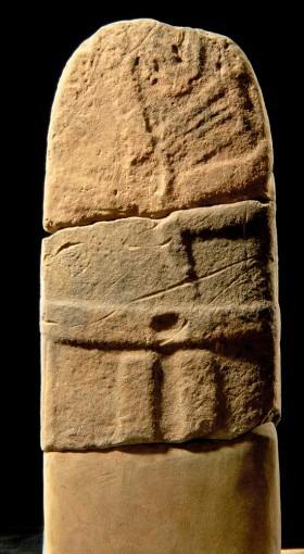 Statue-menhir, provenant de Saumecourte (Cne de Montlaur)