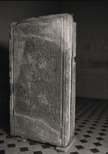 Stèle de Luctérius