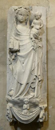 Ame d'un élu conduit auprès de la Vierge à l'Enfant par deux anges