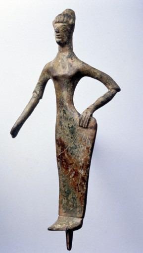 Femme coiffée du tutulus ou Turan-Aphrodite ?
