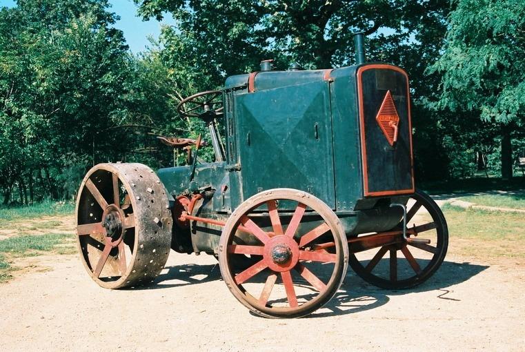 Tracteur Renault PE